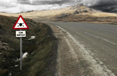 Minefield_road_sign_-_Falkland_Islands